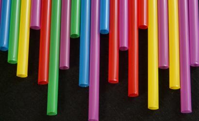 Kivonnak a forgalomból néhány egyszer használatos műanyag terméket