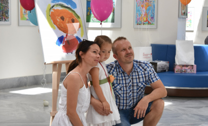 Kis művészek színes, jubileumi kiállításmegnyitója