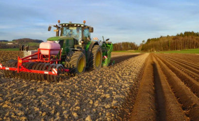 Fogynak és öregszenek a mezőgazdasági dolgozók