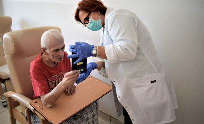 Videóbeszélgetésen kötik össze a betegeket hozzátartozóikkal