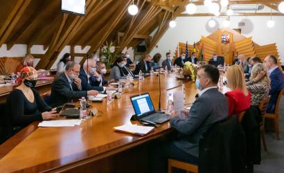 Sok téma a képviselő-testületi ülésen