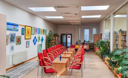Modernebb lámpák a könyvtárban
