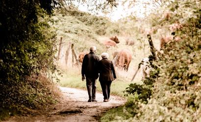 Május 9-én megszűnik a nyugdíjasok idősávja az üzletekben