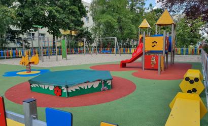 Pénteken reggel adják át az új Lidl-játszóteret a Fenyves lakótelepen