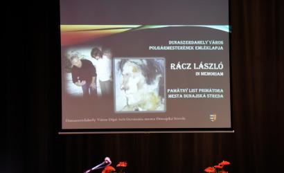 Polgármesteri emléklapot kapott Rácz László, a Csallóközi Népművelési Központ néhai módszertanosa