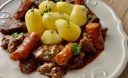 Burgundi vörösboros marharagu