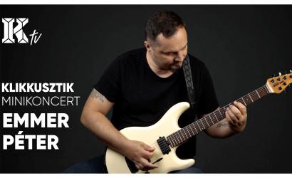 Akusztikus minikoncert Emmer Péterrel