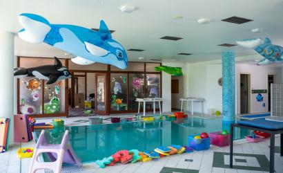 Új úszócentrum a Hotel Legendben