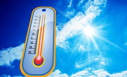 Jön a hőség! Pénteken 1., szombaton már 2. fokú hőségriasztás van érvényben!