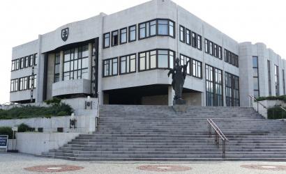 Jóváhagyta a parlament a második hullámmal kapcsolatos intézkedéseket