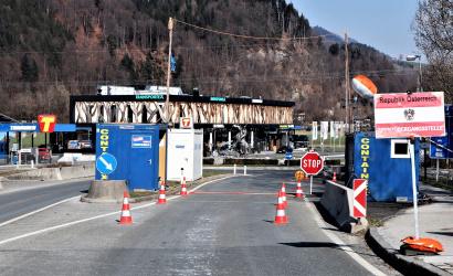 Szombattól szigorúbb ellenőrzés várható a szlovák-osztrák határon. Nehezedik az ingázók helyzete!