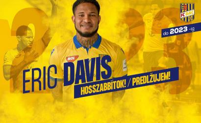 Eric Davis szerződést hosszabbított