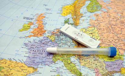 A beoltottak júniustól európai tanúsítványt kapnak