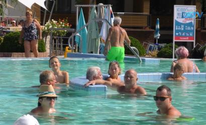 Embedded thumbnail for A termálfürdőbe kevesebb külföldi és több belföldi vendég érkezett