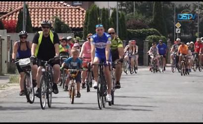 Embedded thumbnail for Új kerékpársávot avattak a bringanap résztvevői