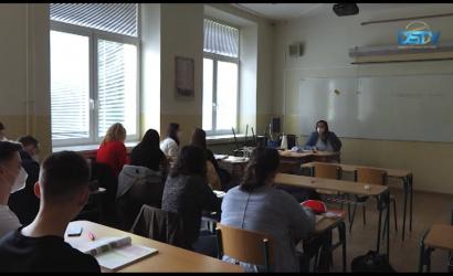 Embedded thumbnail for Dunaszerdahelyen is megnyitották az oktatási intézményeket