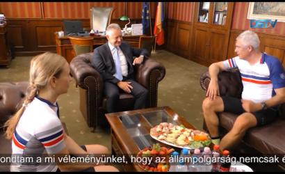 Embedded thumbnail for A kerékpáron érkező külügyminiszter fontos témákról egyeztetett Dunaszerdahelyen