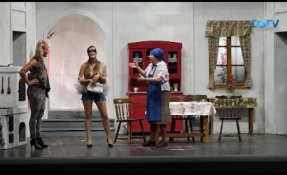 Embedded thumbnail for Hosszú idő után újra színházi előadásnak tapsolhatott a közönség