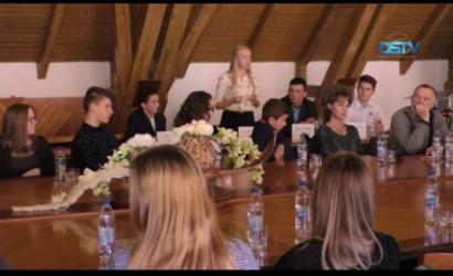 Embedded thumbnail for Lužák Rita lett Dunaszerdahely új diákpolgármestere
