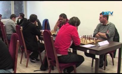 Embedded thumbnail for Remek rajtot vett a dunaszerdahelyi sakkcsapat