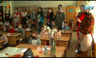 Embedded thumbnail for Április elején megkezdődtek az alapiskolai beíratások