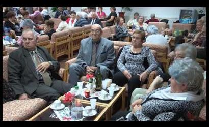 Embedded thumbnail for Hangulatos karácsonyi ünnepségeken vettek részt a nyugdíjasok