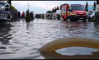 Embedded thumbnail for Dunaszerdahelyen is komoly károkat okozott az özönvízszerű eső