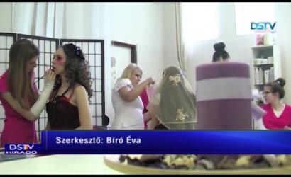 Embedded thumbnail for A diáklányok sikeresen szerepeltek a sminkversenyen