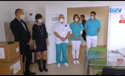 Embedded thumbnail for Két új lélegeztetőgépet kapott a kórház, miközben elkezdődött az ingyenes antigéntesztelés