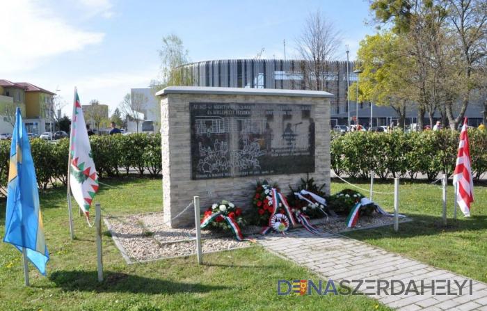 Megemlékezés a Felvidékről kitelepített magyarokról Dunaszerdahelyen