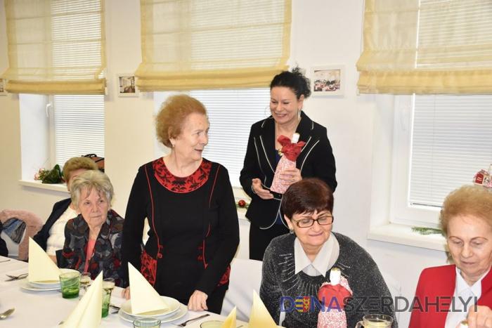 A Vámbéry Ármin Gimnázium meghitt karácsonyvárója
