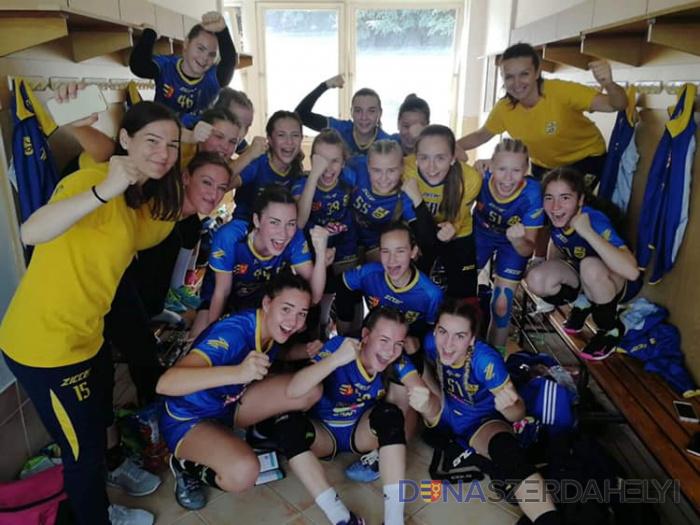 Országos bajnokok a fiatal kézis lányok