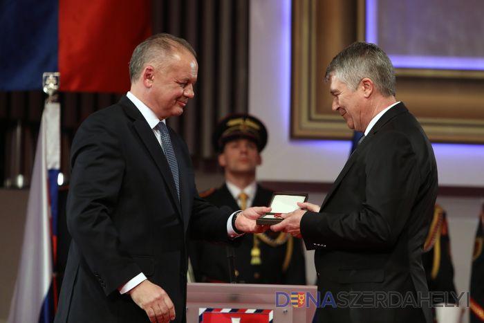 Dunaszerdahelyi személyiségeket is kitüntetett Kiska