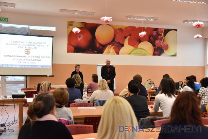 Ingyenes szakmai előadás a hétköznapi tanulási nehézségekről és zavarokról