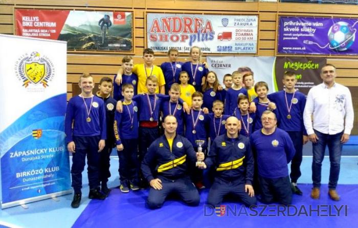 A dunaszerdahelyi birkózók bronzérmesek a diák ligában!