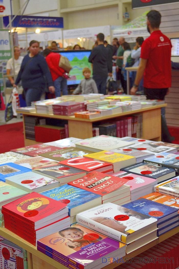 Megnyitották Szlovákia legrangosabb könyvvásárát, Magyarország a díszvendég