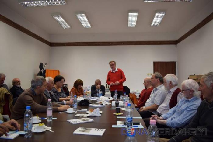 Rendkívüli közgyűlést tartott az SZMÍT