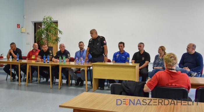 Dunaszerdahelyen is bemutatkoztak négy ország kutyás rendőrei