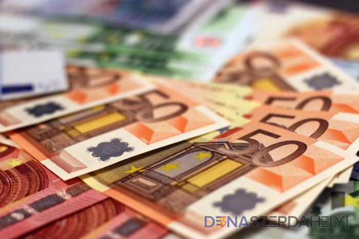 Jóváhagyta a kormány a jövő évi 623 eurós minimálbért