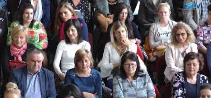 Embedded thumbnail for A magyar tannyelvű óvodák munkáját segíti az ajándék