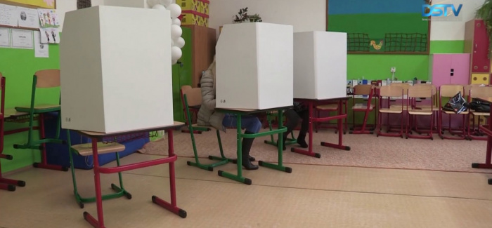 Embedded thumbnail for Nem mozgatta meg Dunaszerdahelyt a köztársaságielnök-választás
