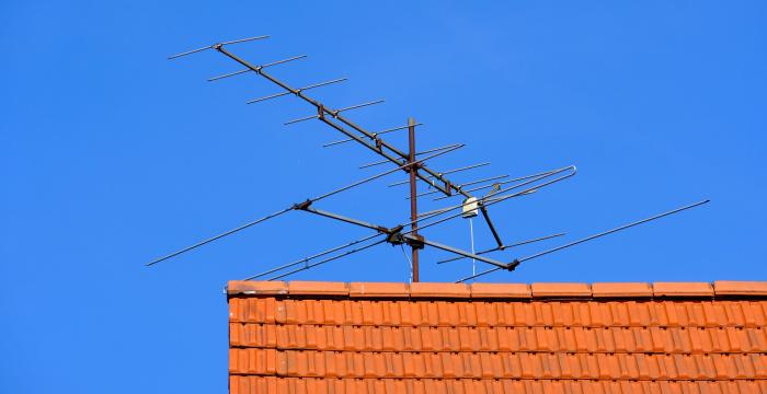 Marad az eddigi tévé- és rádiódíj