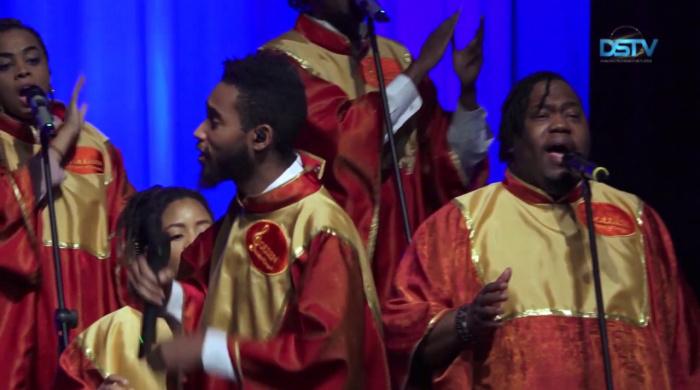 Embedded thumbnail for Az aranyhangú énekesek nagyszerű hangulatot teremtettek városunkban