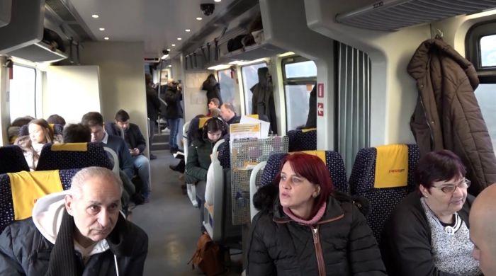 Embedded thumbnail for Két lépcsőben enyhítik a zsúfoltságot a vonatokon