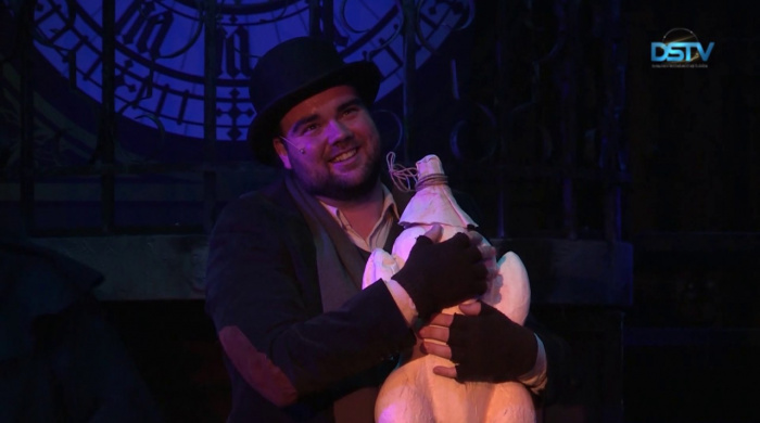 Embedded thumbnail for Két emlékezetes színházi előadást tartogatott az év vége