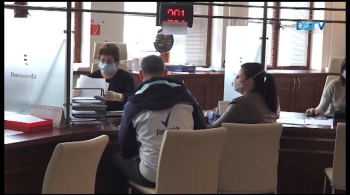 Embedded thumbnail for A hivatalok a koronavírus miatt jelentősen korlátozták ügyfélfogadási idejüket