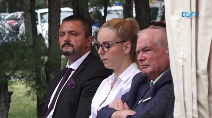 Embedded thumbnail for A roma holokauszt áldozataira emlékeztek a hetvenötödik évfordulón
