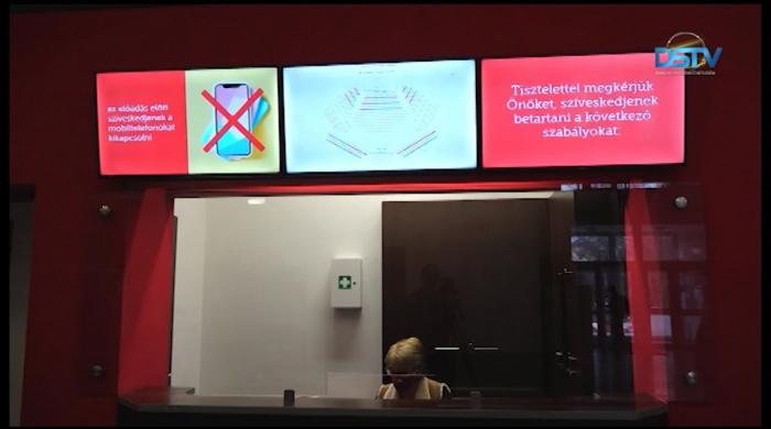 Embedded thumbnail for Már online jegyértékesítés is van a városi művelődési központban