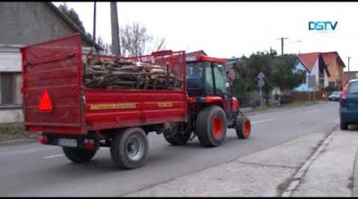 Embedded thumbnail for A szükséghelyzetben élők megsegítését szolgálja a tűzifaprogram