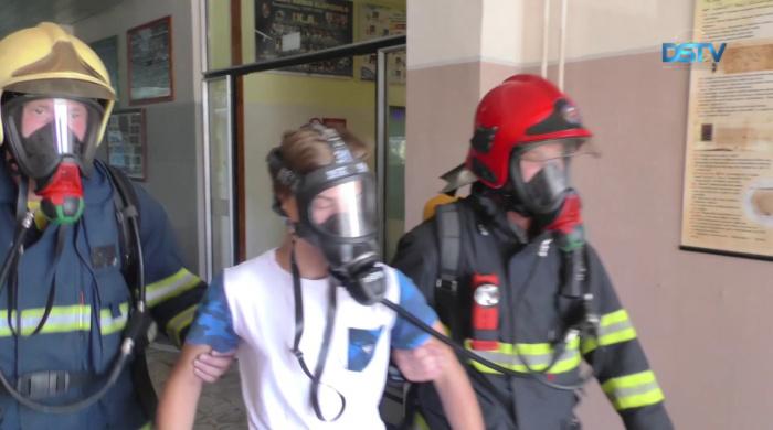 Embedded thumbnail for Nagyszabású tűzvédelmi gyakorlatot tartottak az iskolában